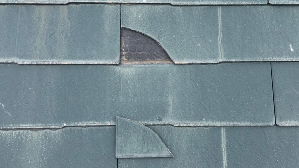 屋根ベスト材の割れ