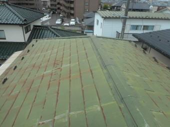 棟板金が飛んだ屋根