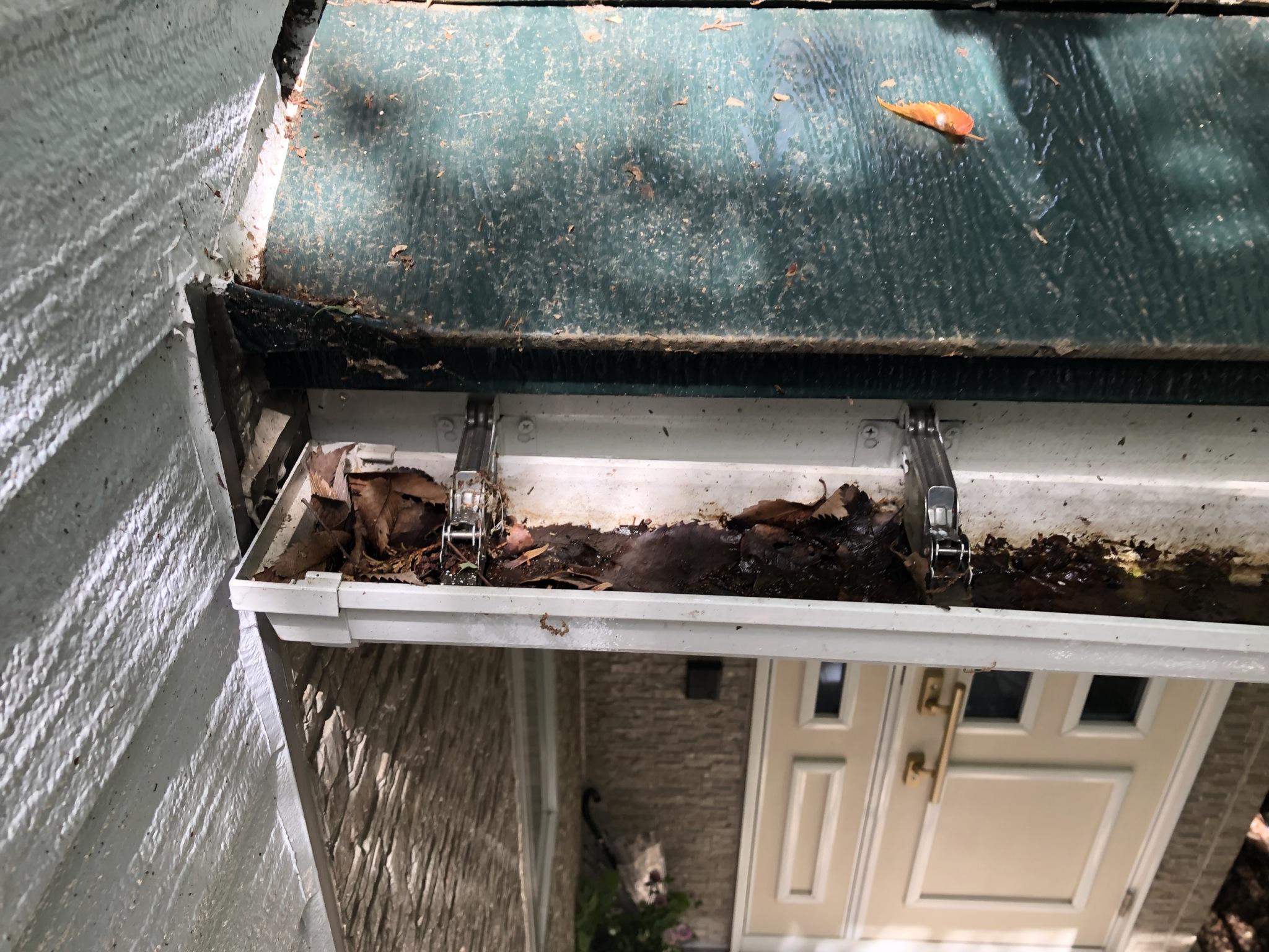 蔵王町、雪害で壊れてしまった軒樋の修理をして来ました。