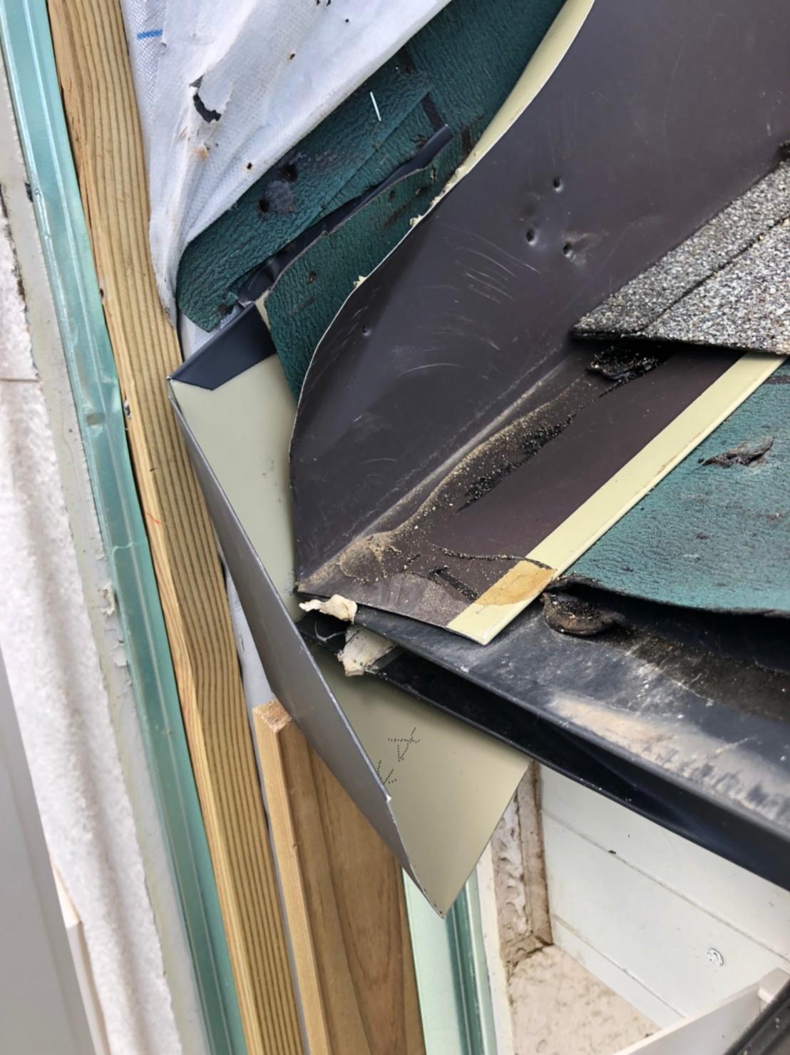 屋根の壁際納め