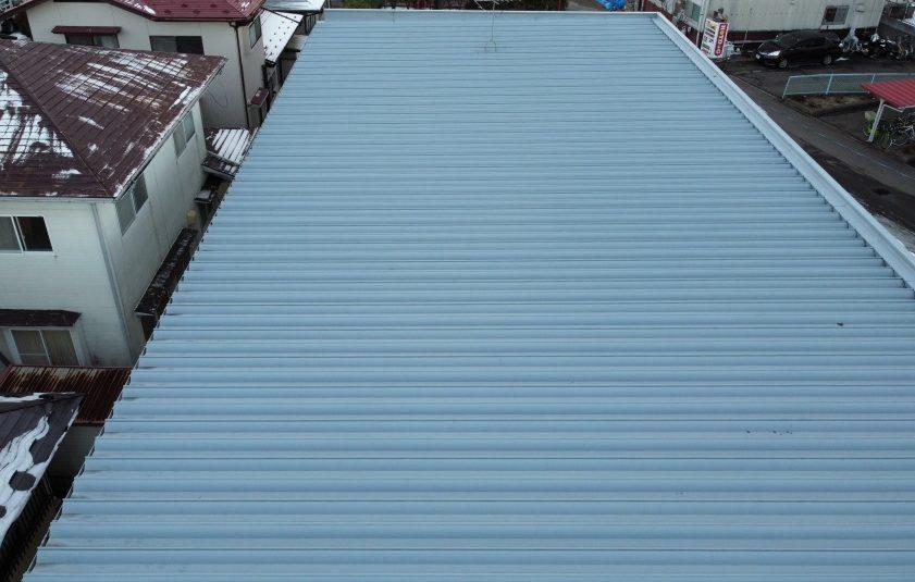 折板屋根全景