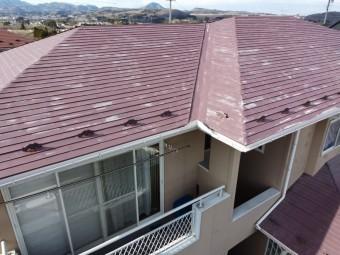 傷んだ屋根の写真