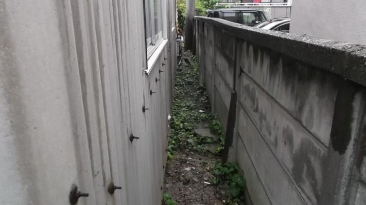 建物の隙間の写真