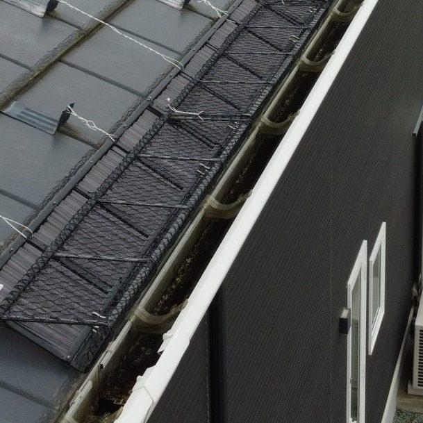 仙台市宮城野区 落雪防止用器具を取付した様子