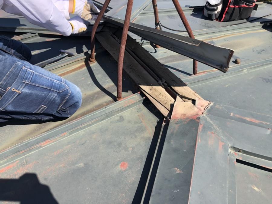 仙台市太白区で棟板金の交換と瓦棒屋根の一部葺き替え工事を紹介